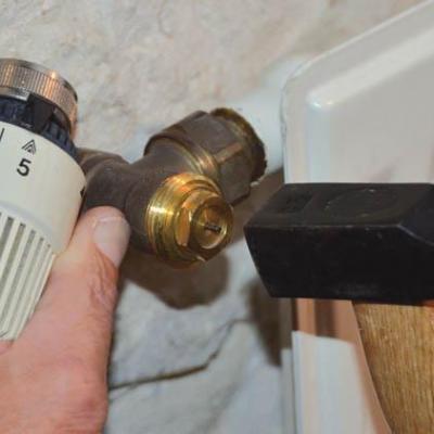 Debloquer vanne thermostatique