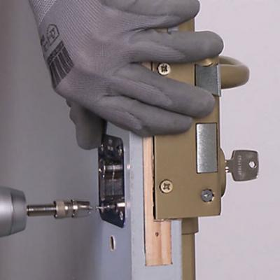 Installation serrure renforcee